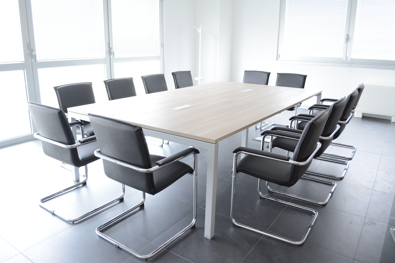 Mobili per la sala riunioni su misura - Arredamento da ufficio ...